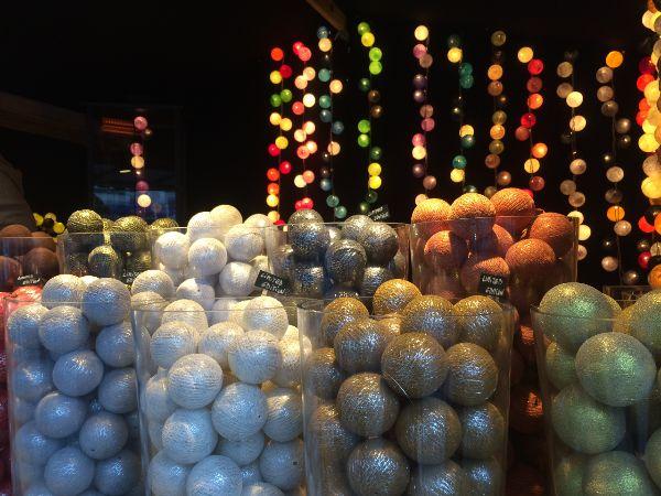 Kerstballen Kerstmarkt Antwerpen